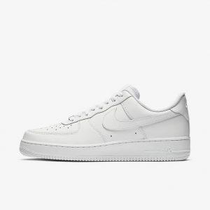 รองเท้าผู้ชาย Nike รุ่นไหนดี